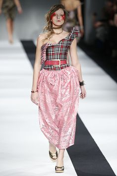 Vivienne Westwood Red Label RTW Fall 2015 - Slideshow