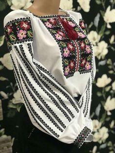 Ethnic Fashion, Fashion Art, Boho Fashion, Fashion Dresses, Womens Fashion, Pretty Outfits, Beautiful Outfits, Viking Dress, Sewing Clothes