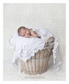 Tijdloos en uniek. Newbornfotografie door Printeboek Fotografie