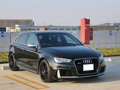 最強の組合わせ コンパクトプレミアムクラス最速の本格スポーツモデル RS3+プレミアム限定鍛造ホイールの組合せ。 当社とTWS様の限定コラボモデル(118FLimited) ・Audiを装着前提とした専用ホイール ・RS3ビッグキャリパー対応 ・限定品の証 Limited刻印 ・367PSを受け止めるリム部のローレット加工 ・リアルスポーツを彷彿させるF1エアーバルブ ・2016年から追加オプション設定のブラックセンターキャップを装着 デザイン・機能性 拘ったホイールです。  ボディーカラーとの組み合わせも決まって 数あるホイールの中で 大変希少なお車との装着ありがとうございました。