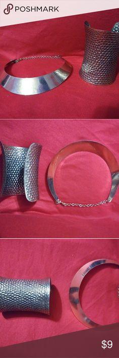 Set Gold metal mirror bib necklace & bracelet NEW Metal mirror bib necklace with cuff bracelet Jewelry Necklaces