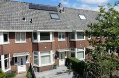 WIST U DAT? Dapper en Van Aalst gespecialiseerd is in jaren '30 woningen. In de jaren '30 zijn er zeer degelijke en fraaie huizen gebouwd. Deze jaren-30 woningen zijn karakteristieke huizen met veel stijl en uitstraling. Heeft u een jaren '30 woning op het oog of wilt u deze juist verkopen? Neem contact op met Dapper en Van Aalst :-)