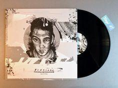 Meine Wertung: 8/10 für Bluntone - Tales of 16 Pads. Die Platte bietet labeltypisch, vom ersten bis zum letzten der 16 Tracks, chilligen Instrumental Hip Hop. Der ungarische Beatschmied hat für das Vinyl total entspannte Beats gebastelt, die durch jazzige und knisternde Samples perfekt unterstützt werden.