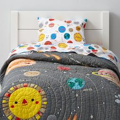 Our Deep Space Toddler Sheet Set might not be the center of the universe. But it can be the center of your toddler's room. The cheerful, printed planets and stars designed by artist Michelle Romo give it out-of-this-world charm and its 100% cotton construction out-of-this-world comfort.