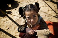 #sostegnoadistanza     Il suo futuro è nelle tue mani.    Con il tuo aiuto possiamo garantire ad Aseel ed a tante altre bambine come lei  istruzione, cure mediche ed un luogo sicuro per dormire.    Proteggi Aseel ora.  Sostienila a distanza.