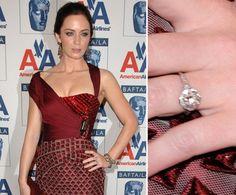 Pin for Later: Die schönsten Eheringe der Stars Emily Blunt Emily Blunt erhielt von John Krasinski zur Verlobung einen 3-karätigen Ring im August 2009.
