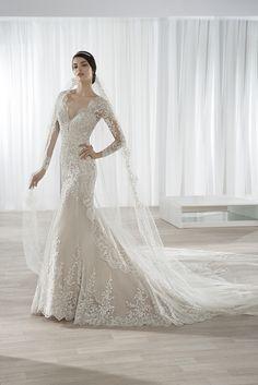 Νυφικά Φορέματα Demetrios Collection - Style 613