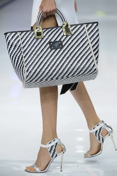 Just Cavalli Spring 2014 & white / black stripes tote + stripes high heels How To Have Style, Shoe Boots, Shoe Bag, Beautiful Bags, My Bags, Handbag Accessories, Fashion Bags, Milan Fashion, Clutch Bag