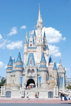 Disney World Orlando pics | ... ,Sports Stars: Orlando Florida Disney World is the Magic Kingdom Fashioned after King Ludwig's Castle in Germany