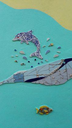 Mosaic Dolphins bay Ricardo Stefani & Julia Gurwicz. Mosaic Wall. Mosaic Animals, Mosaic Wall, Dolphins, Mosaic Art, Murals, Artists, Common Dolphin, Seal