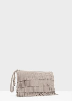Discover our designs: dresses, tops, jeans, shoes, bags and accessories. Leather Fringe, Leather Bag, Diy Clutch, Clutch Bags, Crochet Shoulder Bags, Mango France, Beaded Cuff Bracelet, Craft Bags, Leather Flowers