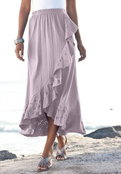 It needs a blouse or tee flowing over that waist, but otherwise, very pretty.