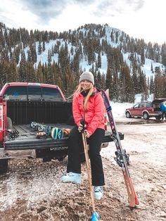 Snowboard Design, Ski And Snowboard, Ski Ski, Mode Au Ski, Apres Ski Outfits, Ski Bunnies, Snowboarding Style, Granola Girl, Ski Girl