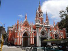 La Basílica Menor Santa Capilla es una basílica católica de Caracas, Venezuela ubicado en la esquina de Santa Capilla en la avenida Urdaneta, se encuentra en el casco central de esa ciudad en la Parroquia Catedral del Municipio Libertador.
