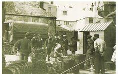 Postcard ST IVES Cornwall 1904 Buying Fish Quayside Fishermen Port Nostalgia | eBay