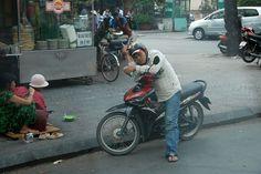 Дорожное движение во Вьетнаме