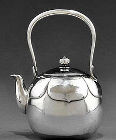 Teapot 5.25-Cup Bohemian Glam Style Dishwasher Safe in French Lavender Finish