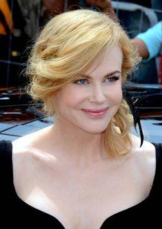 Nicole Kidman dazzles at Cannes: Acting is 'still my passion'  #NicoleKidman #ColinFarrell #SofiaCoppola