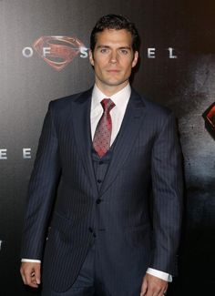Henry Cavill As Christian Grey | Shades of Grey : Henry Cavill a tout pour interpréter Christian Grey ...