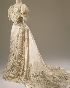 Marjorie Merriweather Post wore this dress for her marriage to Edward Bennett Close, December 5, 1905.