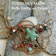 Collar babero... de aluminio, piedra volcánica, cuentas de cristal y ágatas #cuentasymaña #handmade