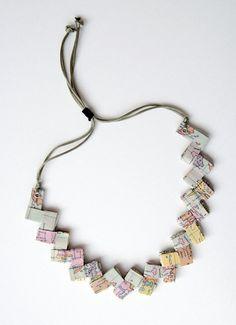 Collana di carta con la cartina dell'antica Grecia di Egeo su Etsy, €25.00