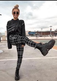 Winter Fashion Outfits, Cute Casual Outfits, New Outfits, Fall Outfits, Grunge Fashion Winter, Grunge Winter Outfits, Winter Grunge, Edgy Chic Outfits, Cute Grunge Outfits