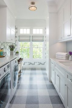 Beautiful Laundry Room Tile Pattern Design Ideas - Home Design - lmolnar - Best Design and Decoration You Need Laundry Room Tile, Laundry Room Remodel, Laundry Room Cabinets, Room Tiles, Laundry Room Design, Laundry Decor, Basement Laundry, Laundry Closet, Small Laundry