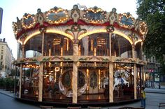 Why there s a merry-go-round in the Lyon City Centre. Lyon City, Fair Rides, Modern Dollhouse, Victorian Dollhouse, Amusement Park Rides, Country Fair, Painted Pony, Merry Go Round, Carousel Horses