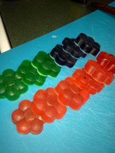 Outnumbered 3 to 1: DIY Bath Crayons!
