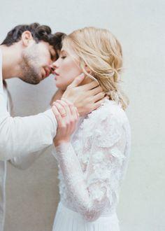 everlytrue: [by Elizabeth Messina] Wedding pics Couples Images, Cute Couples, Romantic Couples, Wedding Portraits, Wedding Photos, Elizabeth Messina, Bridal Looks, Hugs, Bride Groom