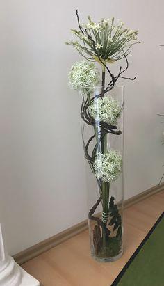Unique Flower Arrangements, Unique Flowers, Flower Vases, Flower Crafts, Flower Art, Arreglos Ikebana, Church Flowers, Deco Floral, Vases Decor