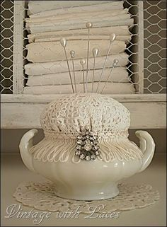 3 Most Simple Tips and Tricks: Shabby Chic House Islands shabby chic pattern etsy.Shabby Chic Bedding For Sale shabby chic table window frames.Shabby Chic Cottage Home Tours. Doilies Crafts, Fabric Crafts, Sewing Crafts, Sewing Projects, Sewing Kits, Craft Projects, Craft Ideas, Vintage Crafts, Vintage Sewing
