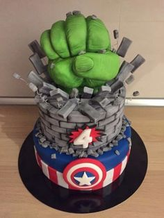 52 New Ideas Birthday Cake Boys Spiderman Hulk Hulk Birthday Parties, Avengers Birthday Cakes, 4th Birthday Cakes, Hulk Party, Bolo Harry Potter, Decors Pate A Sucre, Hulk Cakes, Marvel Cake, Avenger Cake
