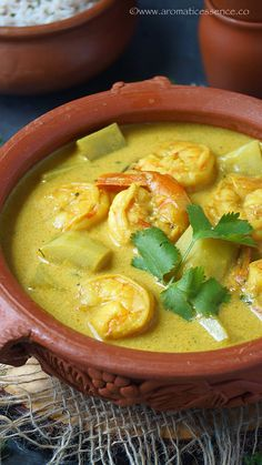 Goan prawn caldine with step-by-step pictures. Caldine is a mild and delicious, yellow seafood curry made with few spices and coconut milk extract Indian Veg Recipes, Goan Recipes, Curry Recipes, Seafood Recipes, Calamari Recipes, Seafood Appetizers, Cooking Icon, Fun Cooking, Cooking Videos