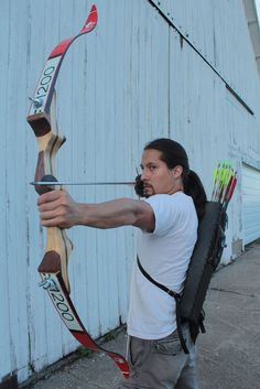 How To Make A Take Down Bow- http://thefansbeenhit.com/how-to-make-a-take-down-bow/ #TakeDownBow #BowAndArrow #BugOut
