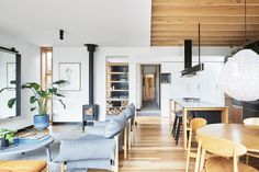 Moloney Architects recently completed a modern extension on a century-old Victorian weatherboard house in Ballarat, Australia.