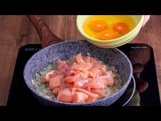 9 tojás és egy csirkemell. Sosem feleded el ezt a vacsorát!| Cookrate - Magyarország - YouTube Cantaloupe, Chicken Recipes, Tasty, Youtube, Baked Rice, Easy Food Recipes, Chinese Chicken, Breast, One Pot Dinners