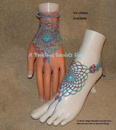 Como estos podría amas estas https://www.etsy.com/listing/118896623/punk-barerfoot-sandals-yoga-foot-jewelry Crochet sandalias pies descalzos son los trajes de baño o anillo pulseras para sólo un día en la playa o Hippie bohemio medias o calzado que mostraría cualquier pie. Accesorios ropa Bohemia de hippie que acaba de hacer su equipo. Sandalias pies descalzos https://www.etsy.com/your/shops/ABarefootSandalsShop/tools/listings&#x2...