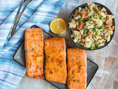 Lunch recipes for work featuring the best glazed salmon filets with roasted caulifower salad. This is a Dairy Free, Gluten Free, Super Easy, Weight Loss/Low-Cal recipe perfect for Lunch. Pastas Recipes, Lunch Recipes, Dinner Recipes, Healthy Recipes, Seafood Recipes, Salmon Recipes, Healthy Eats, Keto Recipes, Healthy Lunches