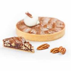 Chocolate Pecan tart recipe by L'Ecole Valrhona's Pastry Chefs with Guanaja 70%!