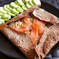 Aujourd'hui je vous propose une idée de garniture équilibrée et délicieuse pour vos galettes bretonnes (ou crêpes au sarrasin). Humm, l'alliance du poireaux et du saumon ne déçoit ja…