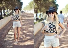 ELLE Style Reporter Niquita Bento went snap crazy at last weekend's Rocking the Daisies, bringing you. Elle Magazine, Daisies, Festival Fashion, Street Style, Crop Tops, Rock, Bento, Blackberry, Women