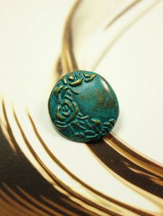 Cyan Crescent Flower Metal Buttons , Antique Brass Color , Shank , 0.71 inch , 10 pcs on Etsy, $6.00