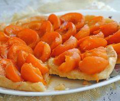 Fresh apricot tart