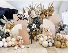 Baby Shower Decorations Neutral, Baby Shower Themes, Boho Baby Shower, Baby Boy Shower, Balloon Stands, Birthday Balloon Decorations, Teddy Bear Baby Shower, Bear Decor, Baby Shower Balloons