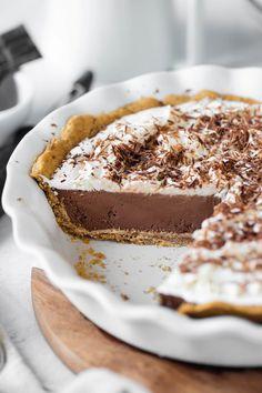 Vegan Chocolate Cream Pie (No Tofu!) - The Vegan 8 Best Vegan Chocolate, Chocolate Cream, Chocolate Desserts, Vegan Sweets, Vegan Desserts, Vegan Recipes, Dessert Recipes, Vegan Christmas Desserts, Christmas Baking