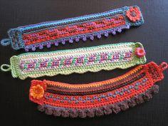 crochet cuff bracelet Inspiración ༺✿ƬⱤღ https://www.pinterest.com/teretegui/✿༻
