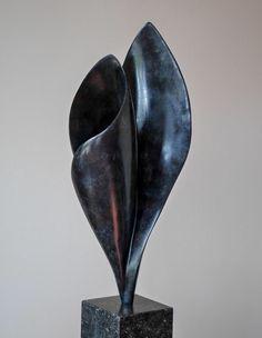 'Unfold', bronze, Sculpture by Jan van der Laan, april 2018