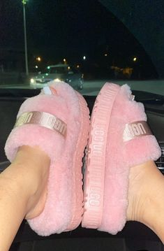 Crocs Fashion, Fashion Shoes, Jordan Shoes Girls, Girls Shoes, Cute Uggs, Fluffy Shoes, Cute Slippers, Aesthetic Shoes, Fresh Shoes